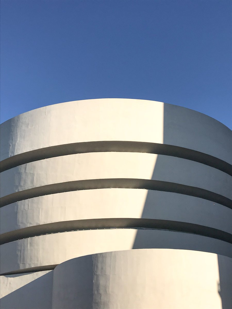 RT @Guggenheim: 'One of the most beautiful buildings in the world'—Visitor Isabell #FrankLloydWrightFridays https://t.co/WuWFD6ioEV