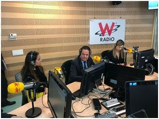 Conéctate #VargasLlerasEnLaW @WRadioColo...