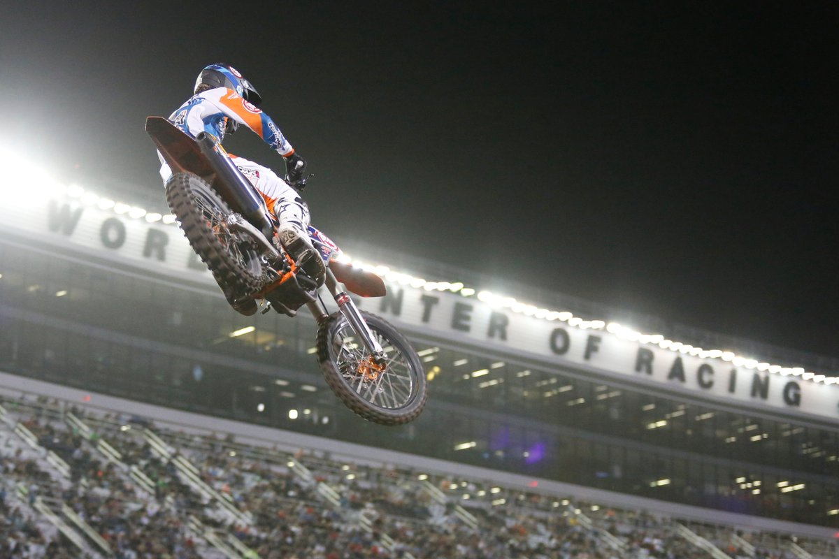 High-flying action! #DAYTONASX #SupercrossSaturday