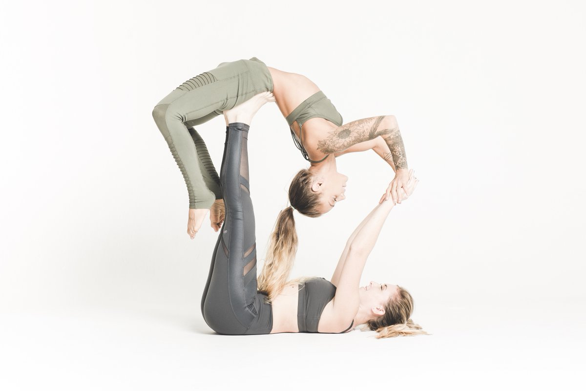 Life On Twitter Strong People Do Not Put Others Down They Lift Others Up What S Your Fav Yoga Pose Findyouryogapartner Acroyoga Lifefeelgreat Https T Co Sqdgyinavn