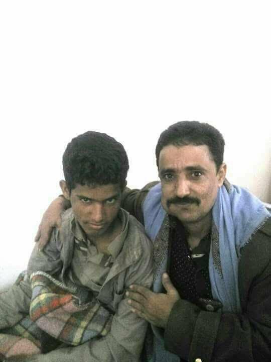 RT @ALyemenNow: في حادثة غريبة : اسير حوثي يقع في قبضة والده الجندي في الجيش الوطني https://t.co/KBExgtpeVU