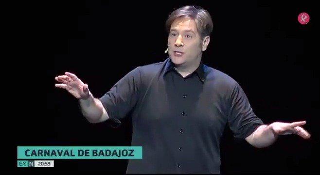 @Carlos_Latre será el pregonero del #Carnaval de Badajoz y el encargado de dar el pistoletazo de salida a esta fiesta, que quiere ser de Interés Turístico Internacional 🎭 @aytodebadajoz  #EXN https://t.co/Xkxwp9iwZy