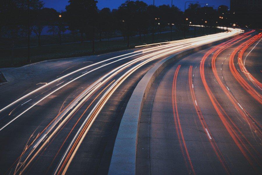 RT @FotoTrucos: ¿Como fotografiar luces de autos en movimiento? #Fotografia #Arte LINK: ➡ https://t.co/qjHogRSk34 ⬅ https://t.co/BjFrhz84d8