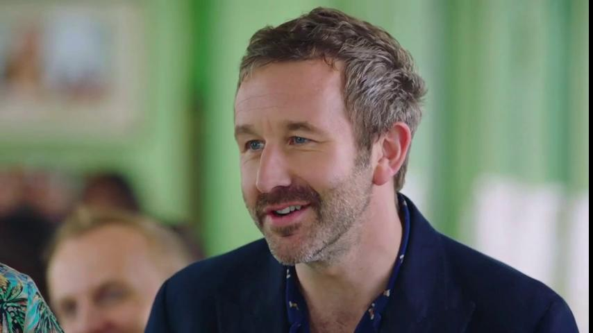 Hey @JamieOliver - if the oven stops working, try turning it off and on again @BigBoyler #FridayNightFeast https://t.co/CUycHLfLQp