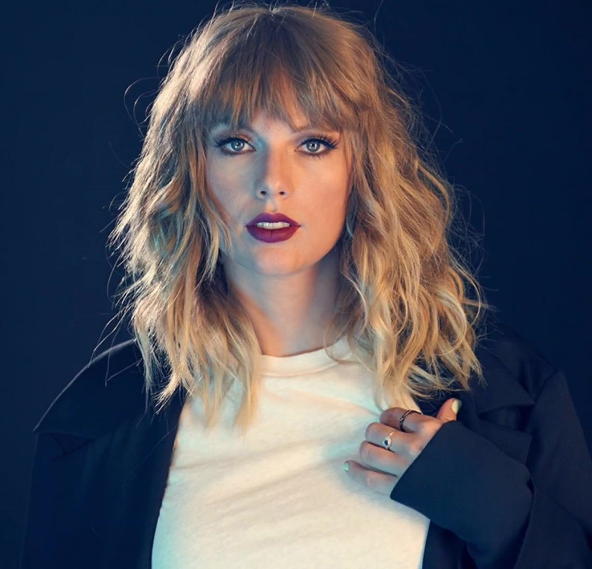 Taylor Swift News On Twitter The Only Female Artists Who Have Won Album Of The Year At The Grammys Under The Age Of 25 Taylor Swift 20 Alanis Morissette 21 Barbra Streisand