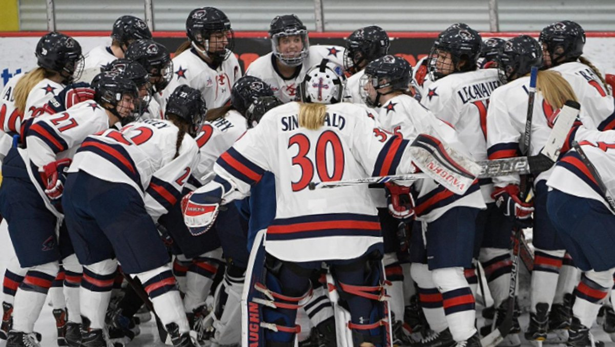 Real recognize real. Congrats to the RMU Women's Hockey (@RMUWHockey) team for being ranked 10th nationally and holding a spot in the top 10 for 15 weeks!