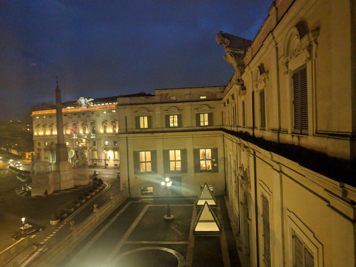 Piazza del #Quirinale vista dalle @Scuderie  19.01.18 #Rome #BellaItalia #BeautifulItaly #beautyfromitaly #RomeisUs https://t.co/W4iiDkauLU