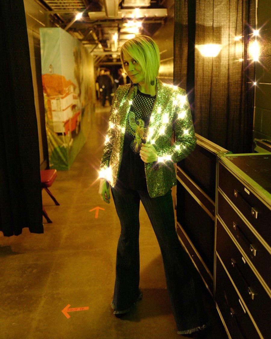 Livin like Hippies wardrobe must?  Sparkles by @NastyGal & bell bottoms by @ShowMeYourMumu  📸 @bfluke https://t.co/soNDtUG63Y