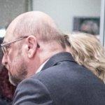#SPD Endlich cool: @MartinSchulz mit nerdigem Zopf. Danke @SPIEGELONLINE, für feine Momentaufnahme. @spdde @BrowserBallett https://t.co/Zj0ERVgqkf