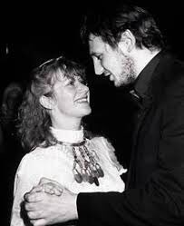 Obsessed with Neeson and Mirren the couple. Look at them! #GrahamNorton https://t.co/4bz8Rz09Es