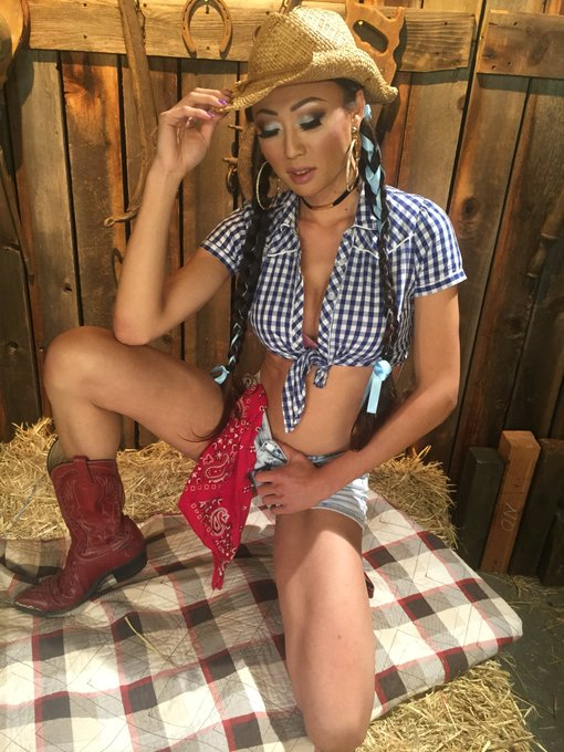 1 pic. This southern country girl is gonna blow your nuts off he...he..😈🍆💦 @VenusLuxFans @kinkdotcom