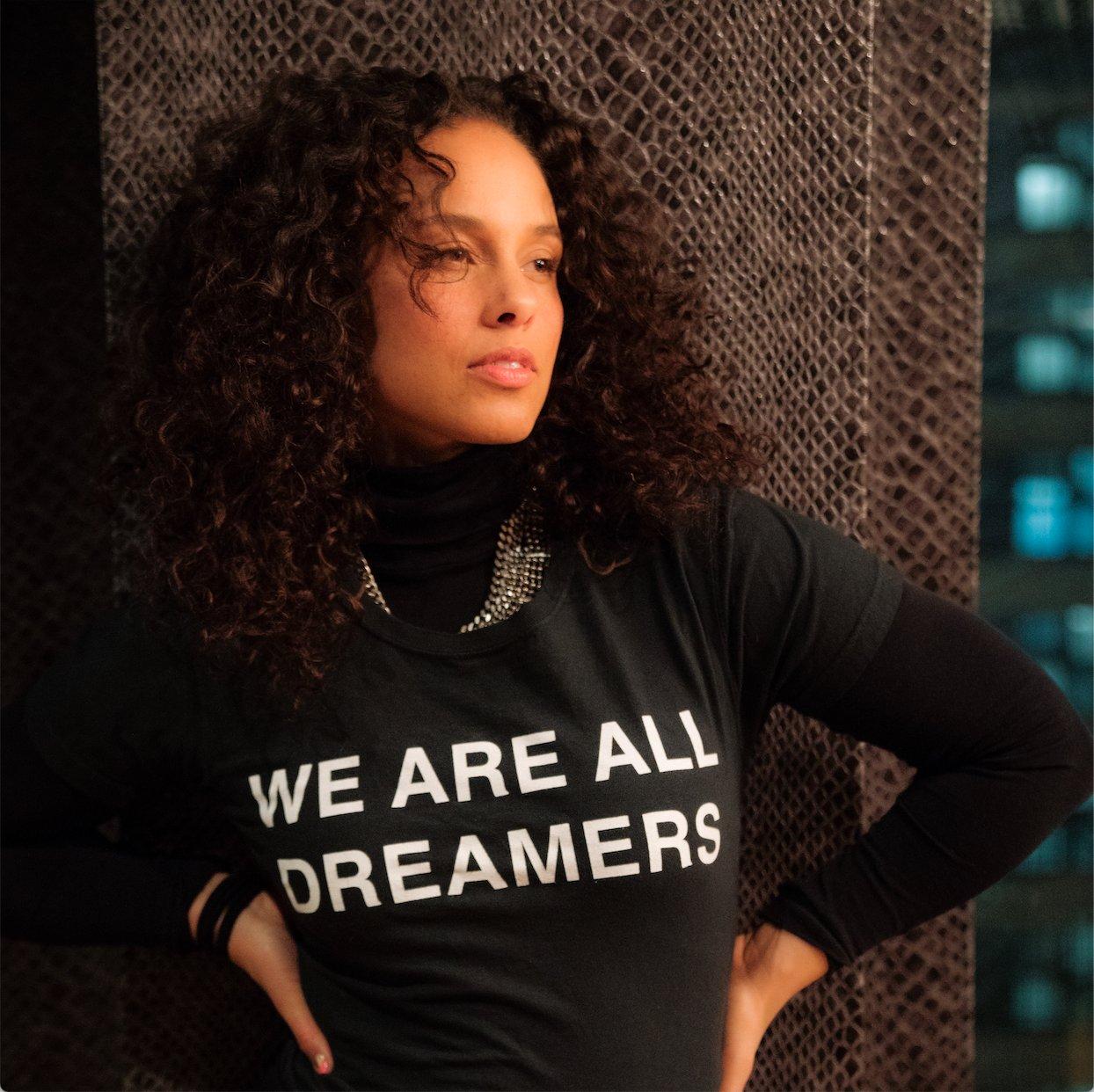 #ShowLove ��  #DreamActNow #WeAreAllDreamers https://t.co/gE0FxStHNn
