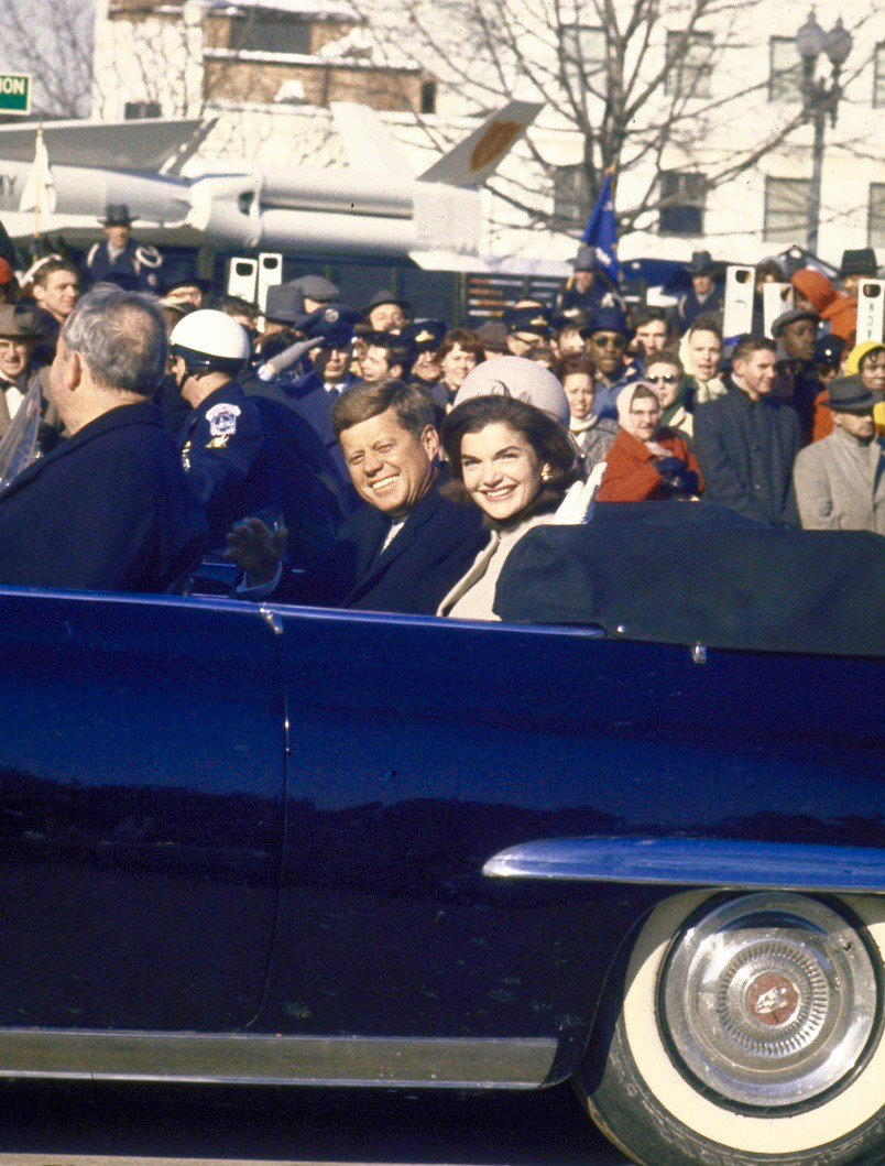 RT @BeschlossDC: Kennedys in inaugural parade, along with missile, tomorrow 1961:  #Getty https://t.co/3FsvptfeOY