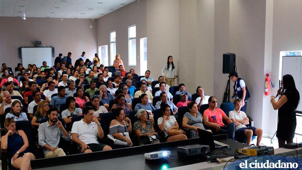 .@CFN_ECUADORdio a conocer sus servicios a empresarios turísticos de #Galápagos » https://t.co/v3Z1m9NRQF https://t.co/d7P2TfdrBX