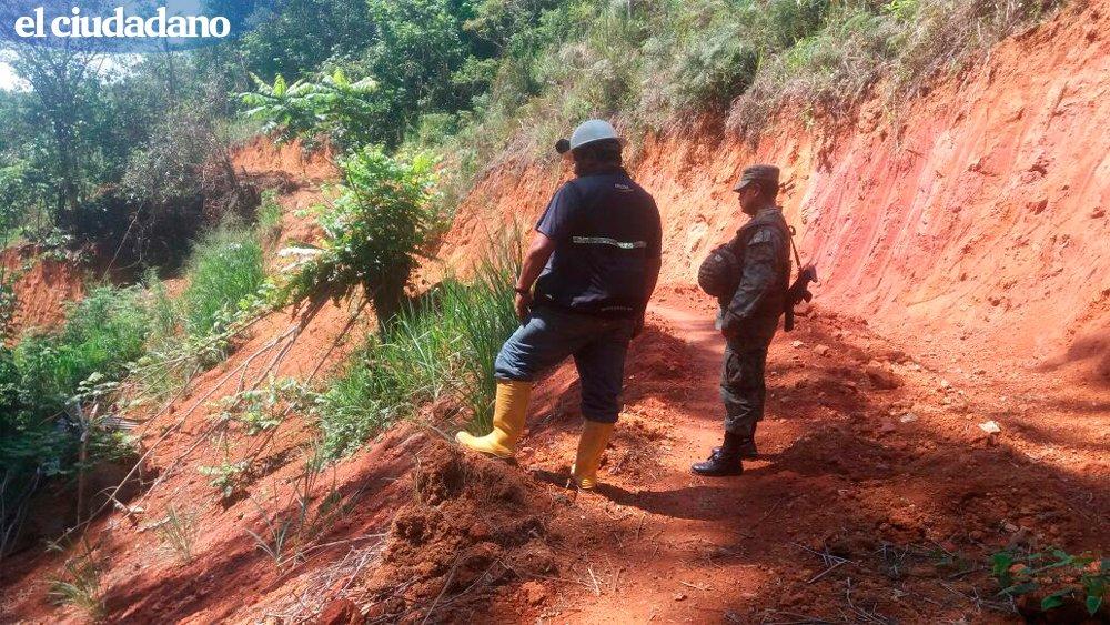 Cómo prevenir riesgos en zonas donde se realiza minería fue tema de debate en #Cuenca » https://t.co/CZTfQX0kpm https://t.co/MyCkDq6qRC