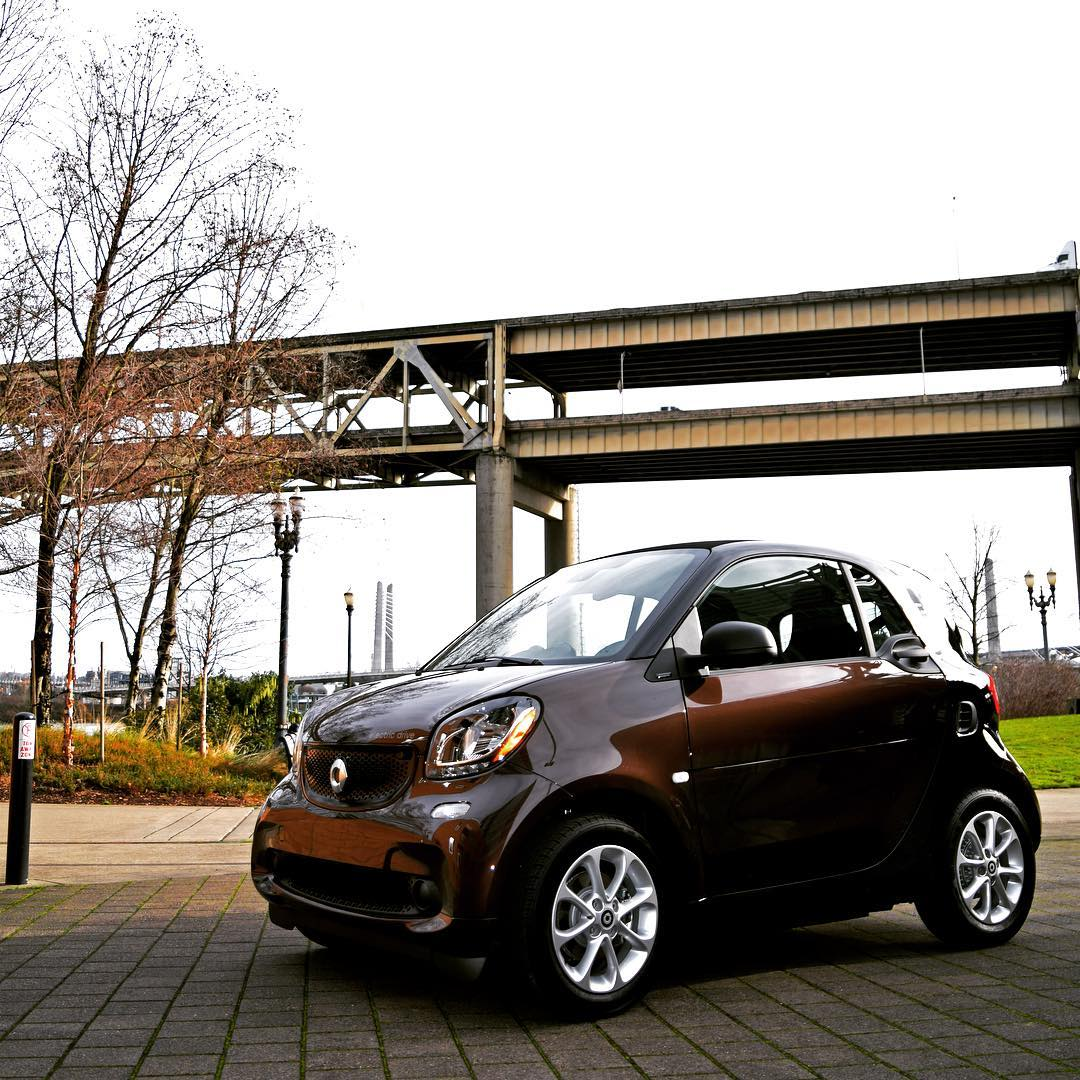 Get The All New Electric Smart Smartcar Smartcenter Smartcenterportland Smartcenterpdx Portland Portlandoregon Pacificnorthwest Beautifulday