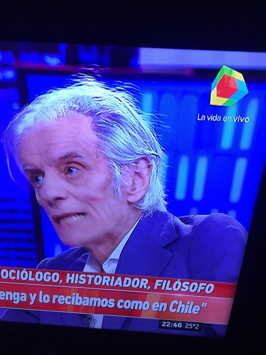 """RT @gus_bs: #ViernesIntratable  SEBRELI. """" el KIRCHNERISMO es la rama podrida del PERONISMO"""".  Clarito eh? https://t.co/uVvejGEjR6"""