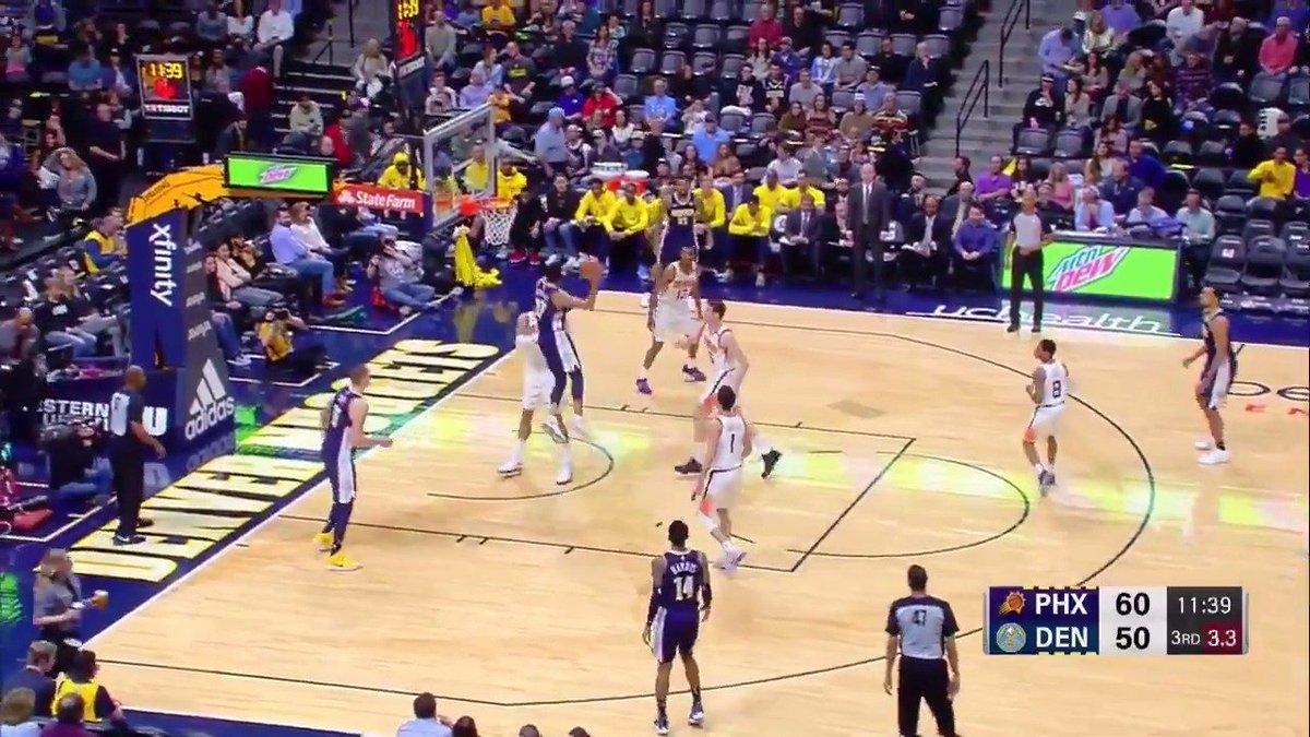 Jamal Murray attacks the rim for two ferocious slams!  #MileHighBasketball https://t.co/gpvTLQcPKH