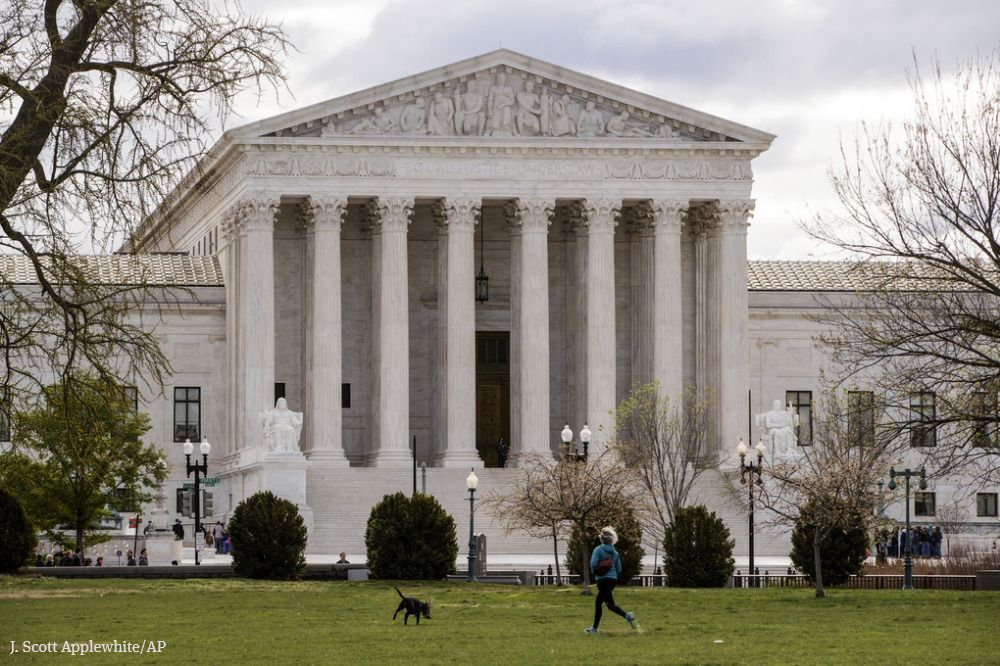 Tech companies and lawmakers support Microsoft in Supreme Court case that has far-reaching implications for digital privacy across countries' borders. https://t.co/UYjbWkSfsY