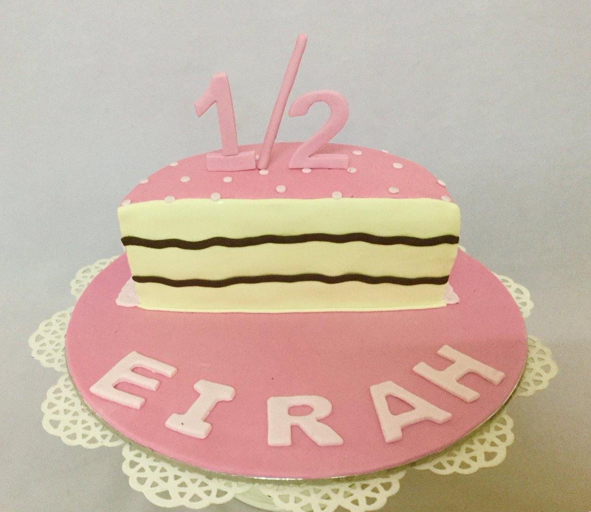 Little Eirah Celebrated Her 6 Months Birthday With This Cute Pink Cake Halfbirthdaycake 6monthsbirthdaycake Girlbirthdaycake Babybirthdaycake
