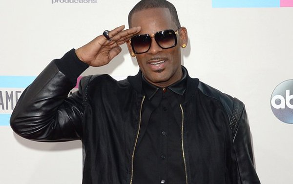"HAPPY BIRTHDAY... R. KELLY! ""HONEY LOVE\""."