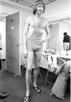 Graham would of been 77 years young today... #happybirthday #montypython #grahamchapman  (Photo © Annie Leibovitz) <br>http://pic.twitter.com/sHEHiXMvI3