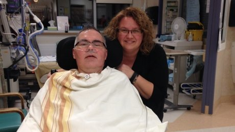 Manitoba reeve learning to walk again after 3 months in coma with West Nile virus https://t.co/3TqQloyS35