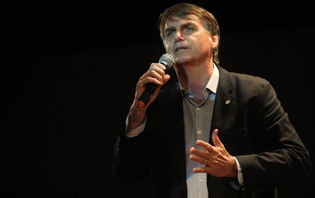 Leandro Colon:Bolsonaro disse em entrevista que sonegaria 'tudo o que for possível'. https://t.co/A7GVTYOhHS