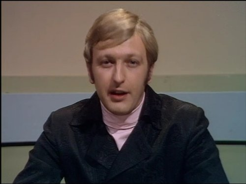 Remembering #GrahamChapman (RIP), comedian, writer, actor, author and member of the surreal-comedy group #MontyPython, btd 1941.<br>http://pic.twitter.com/q6DaM3sXKv