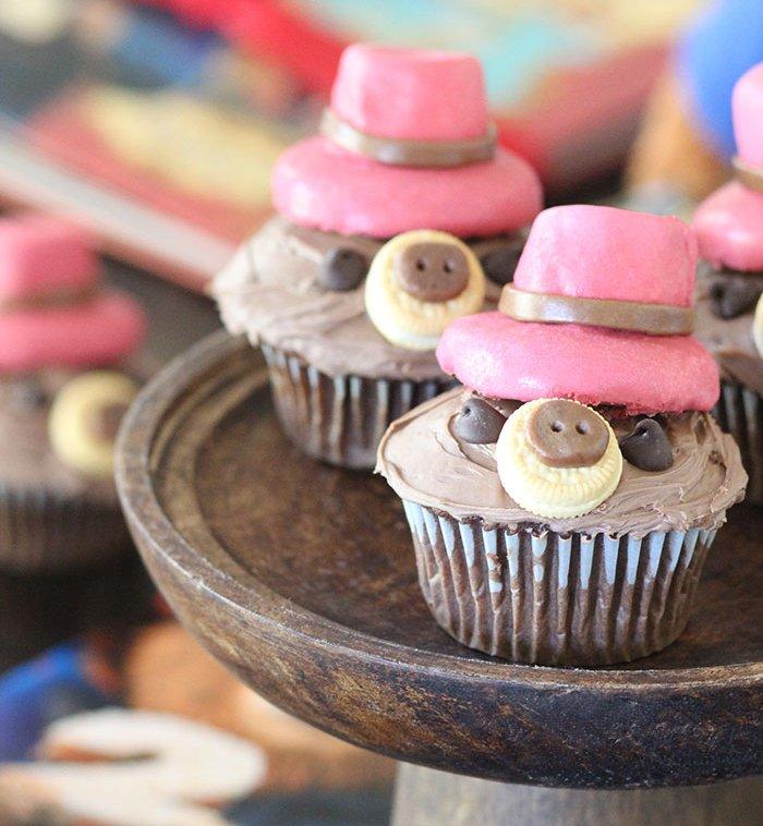Cute Paddington cupcakes! @PaddingtonMovie #Paddington2 #ad https://t.co/b511Q8Yk3l  https://t.co/NstIX0KV21