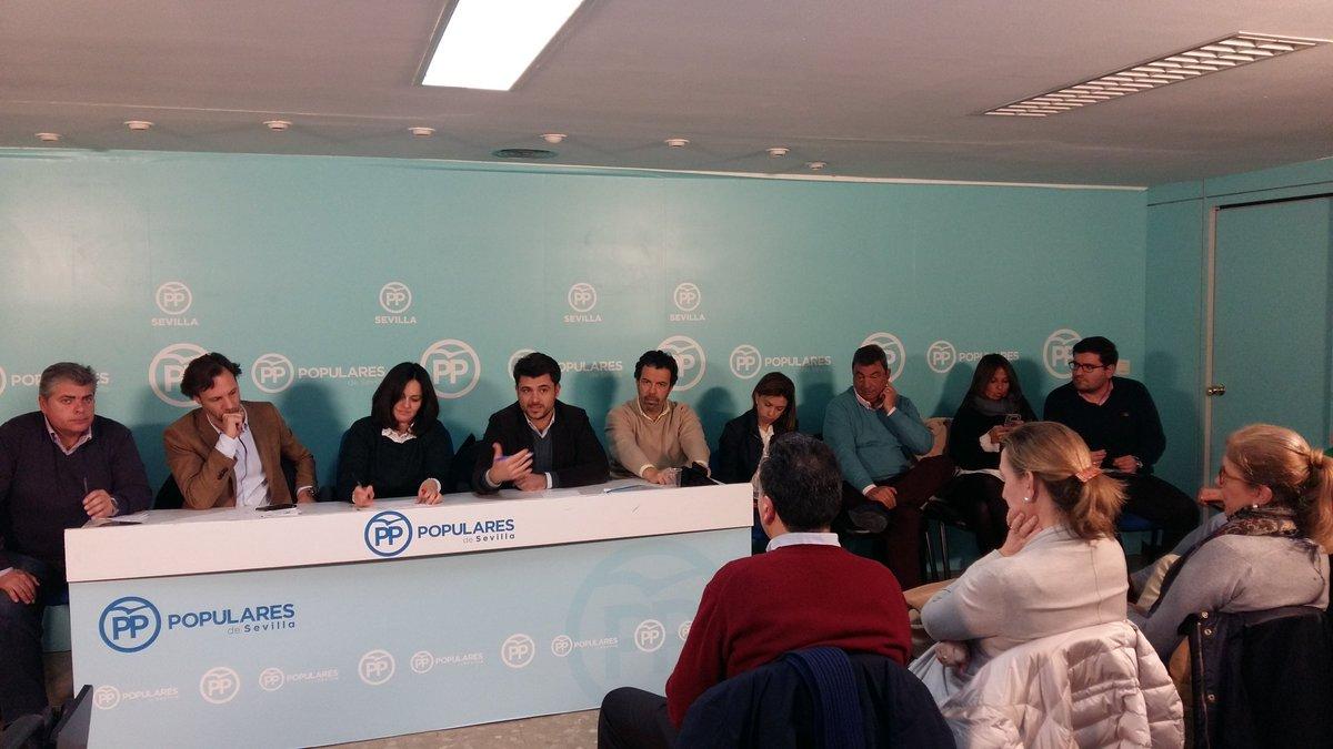 Seguimos trabajando para conseguir que Sevilla avance. Reunión permanente de Distritos @PPdeSevilla #PPOposiciónÚtil #VocacióndeGobierno