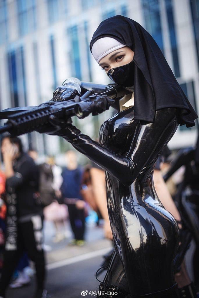 Female assassin in latex dress cosplay upskirt - 5 3