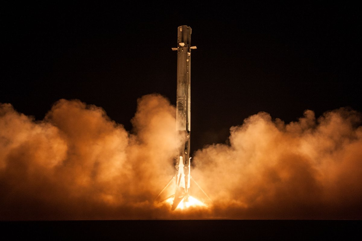 More photos from yesterday's Falcon 9 launch and first stage landing → https://t.co/095WHX44BX