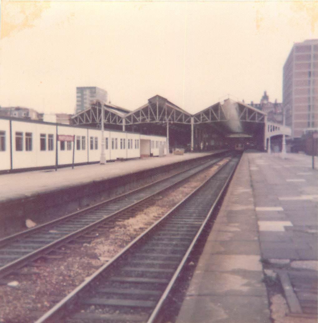 DTDDJDFX0AAYDwj - Marylebone station's anniversary