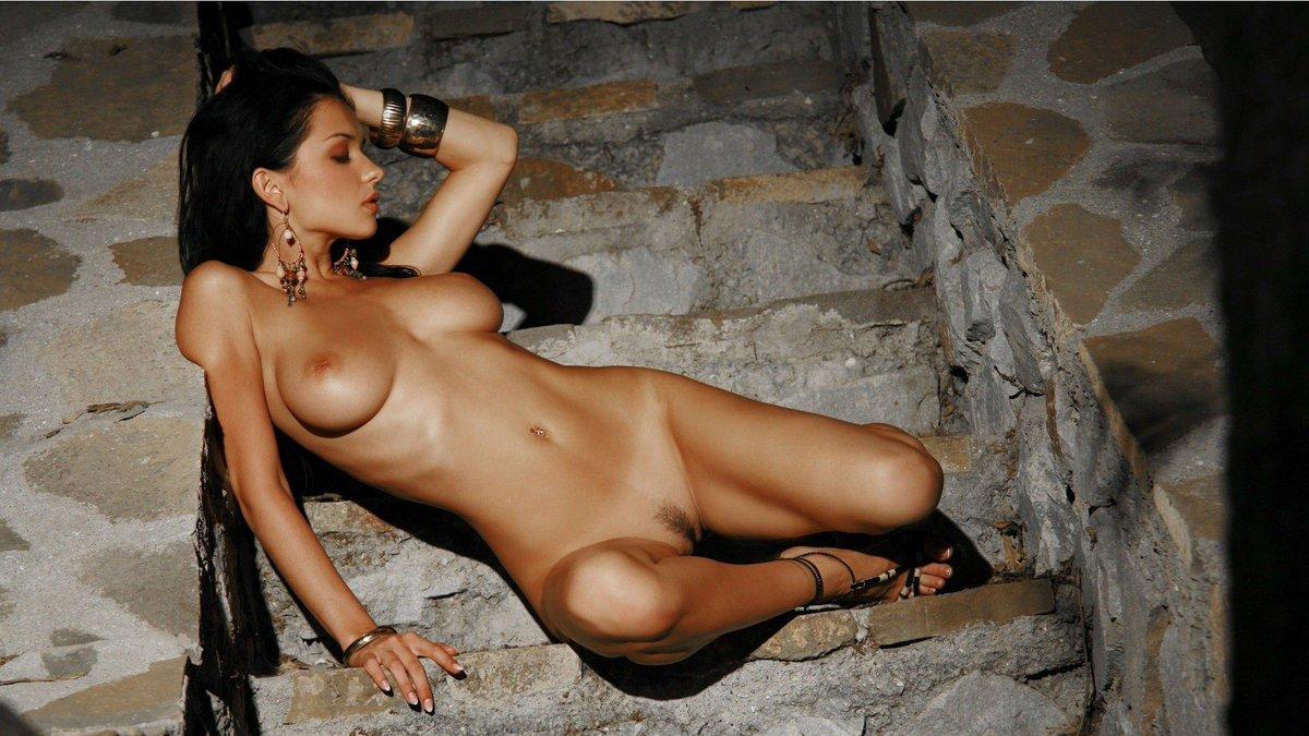 Hot sexy naked spanish domination porn pics