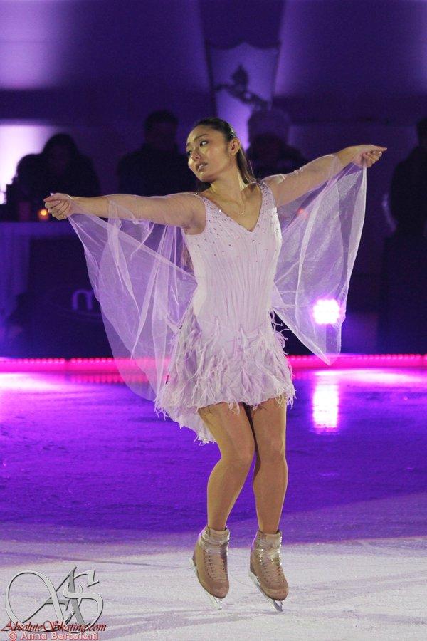 Ледовые шоу-4 - Страница 48 DTDjZoZX4AIeGEY