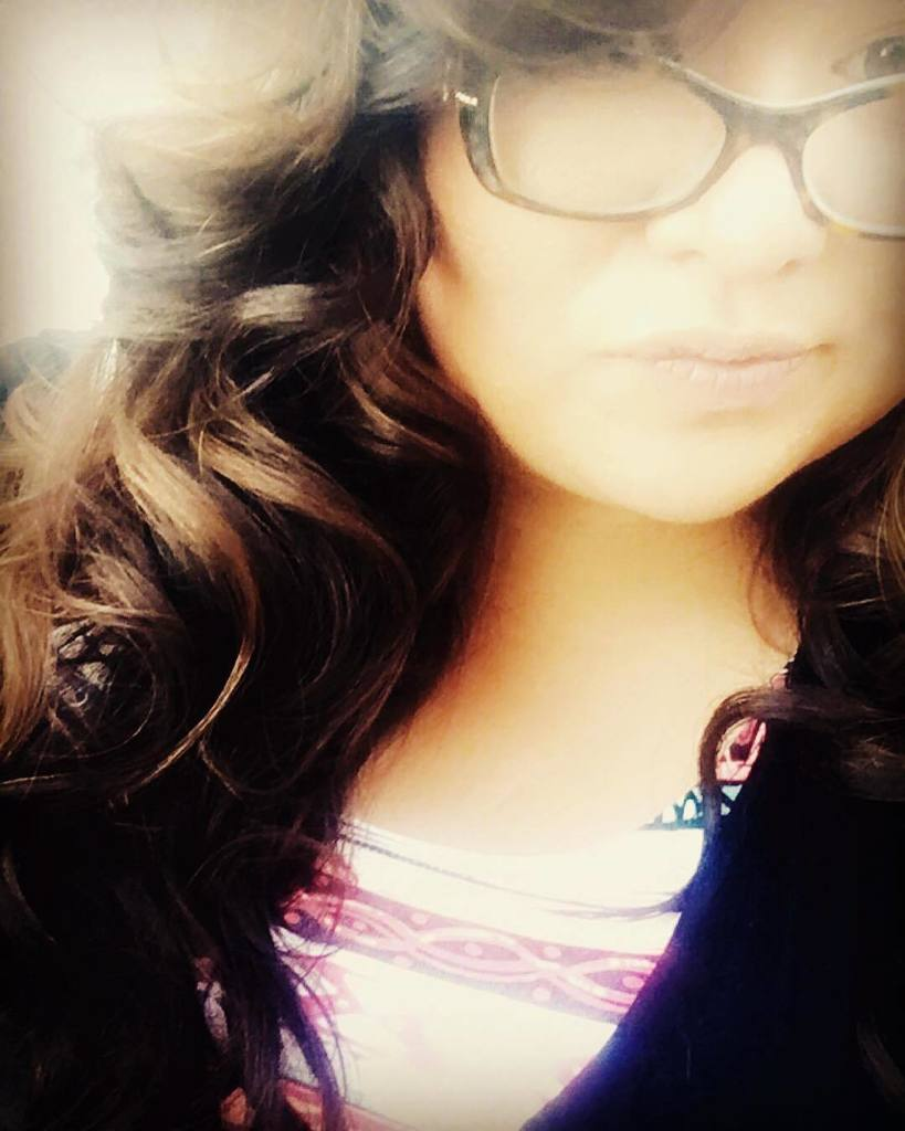 #curly #hair is my favvvvv ! .... can't wait until it's longer  #reno #curls #glasses #tiffany #bright #sunny #happy #flashback #communityovercompetition #hatch #happinessinhome #dreams #goals #journey #doit  http:// ift.tt/2CWcWn7  &nbsp;  <br>http://pic.twitter.com/gLvVzd1rBq