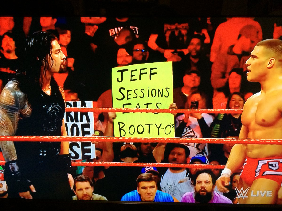 Sign of the night. Worth the wait #RAW #WWE #NewDay https://t.co/WQmQWEfJ3K