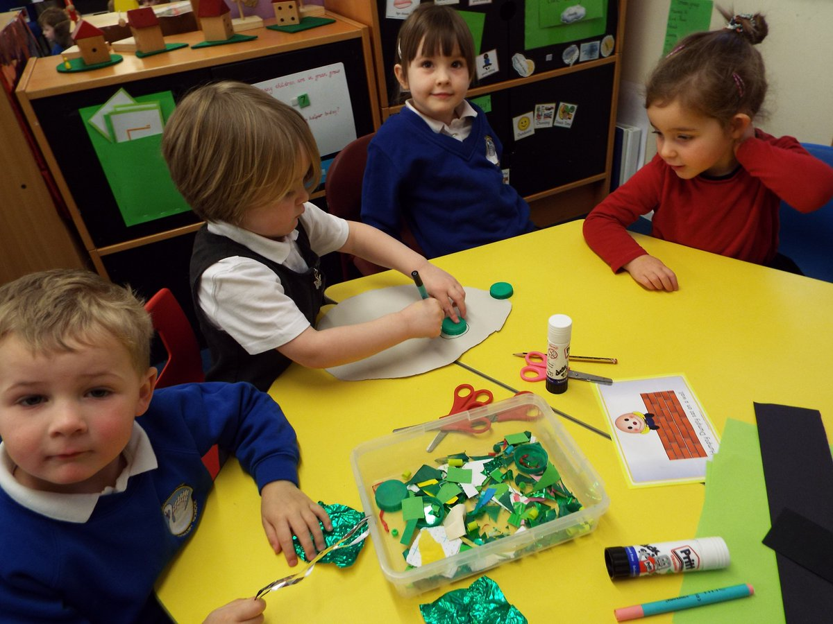 Smashing shape learning in the Ellesmere Primary Nursery this morning! #eyfs #learning
