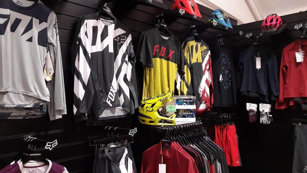 66289c34ab8 ... price Fox riding kit and life style clothing! Accessories and Helmets  are included in the sale too!  foxhead  foxracing  foxmtb  mtb   rideallweather ...