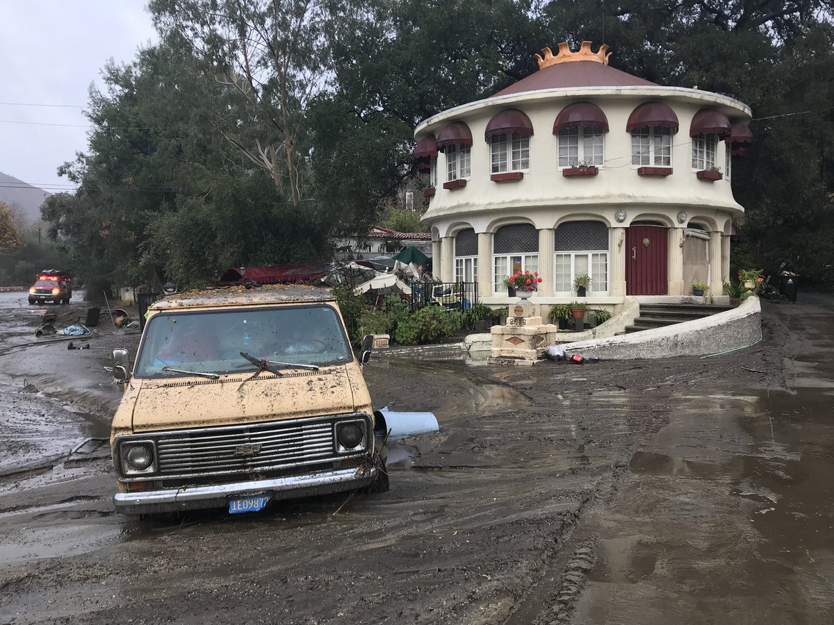 Floods and mudslides hit Montecito California DTHWWZoUQAAlLfz