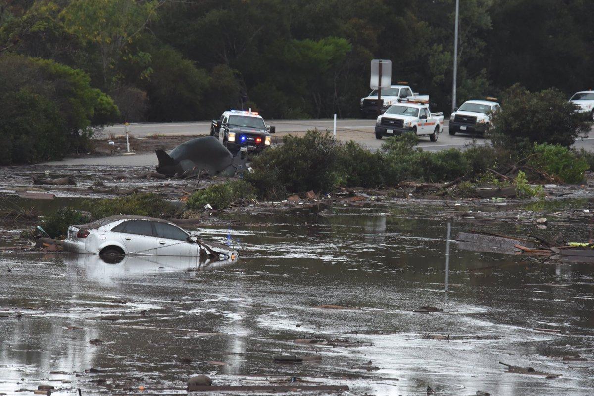 Floods and mudslides hit Montecito California DTIClndVoAAsiJu