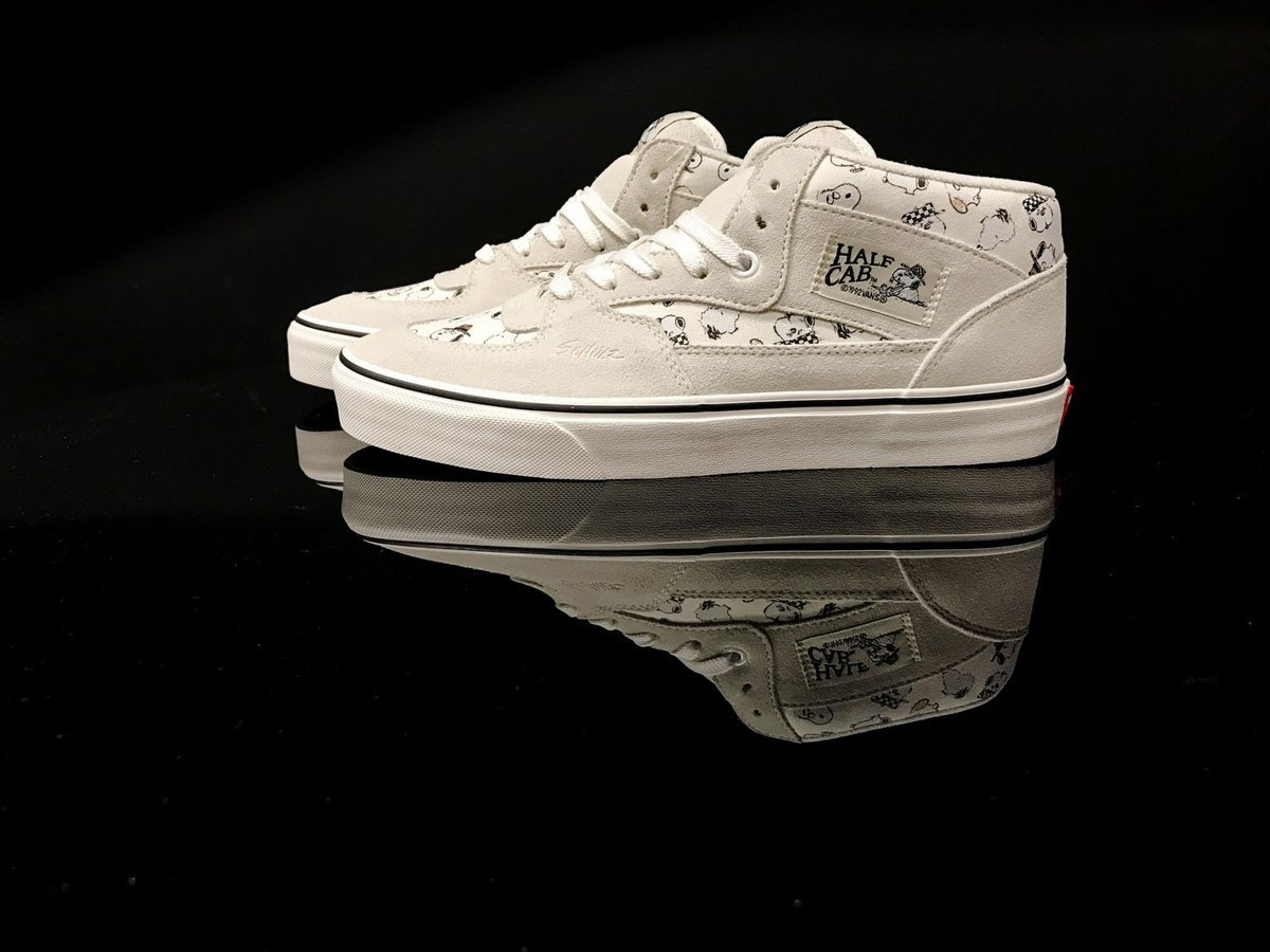 vansxpeanuts half cab snoopy shoes! RT