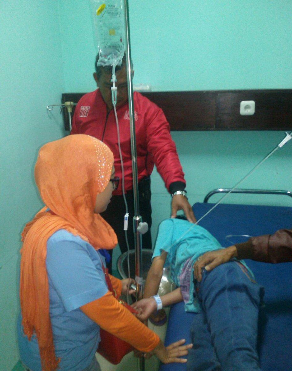 Tribratanews On Twitter Mabuk Komik Satu Pemuda Meninggal Dunia Dua Orang Dirawat Di Rumah Sakit Https T Co Gyxgeu0ibs