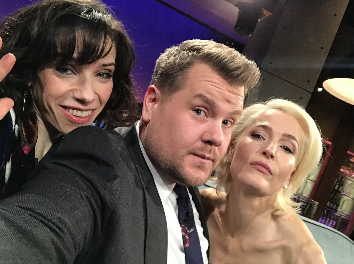Tonight on our little #LateLateShow couch: Sally Hawkins and @GillianA! https://t.co/TkKHow7wdb