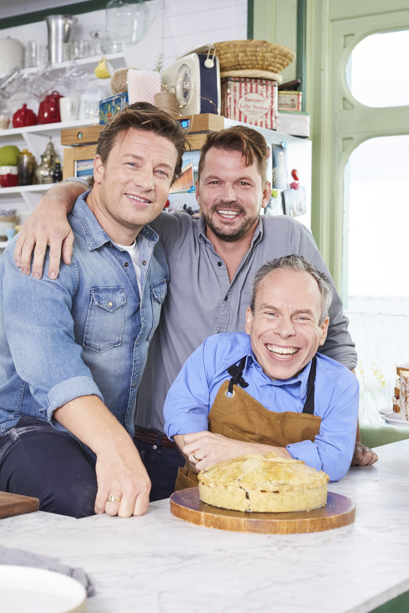.@WarwickADavis and the order of the beef and Stilton pie! 1 HOUR TO GO until #FridayNightFeast, @Channel4. https://t.co/on8jQxfqFT