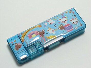 スタバで小学生が1人で勉強してて(東京のガキンチョはすげーな)と思ってたら筆箱がオレンジの無地でひっくり返った 今の小学生はそんなシンプルでいいのか?最初鉛筆が削れるやつを使って次に謎の鏡付きのデニムチェーン、少し大人な三段カンペンの流れで成長していくガキはもういない?