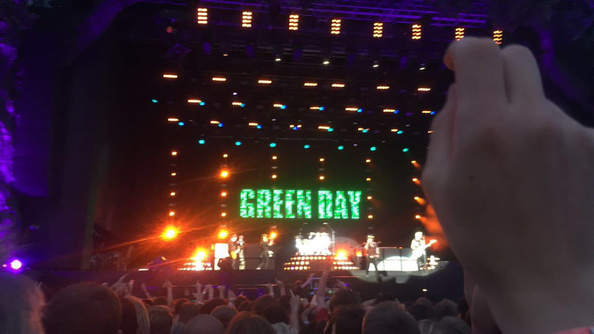 @GreenDay performing at Hyde park was godly