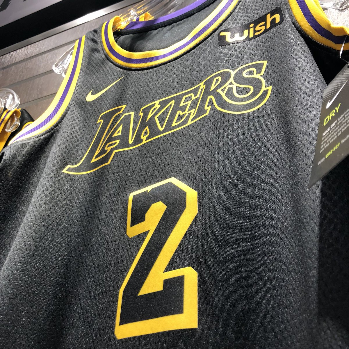 Lakers Store on Twitter