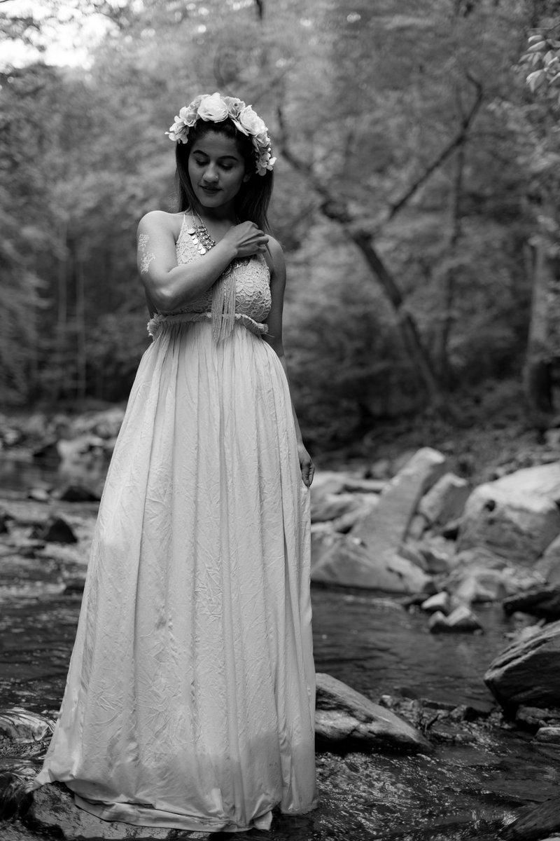 By the stream I dream in calm delight, and watch as in a glass - PLD Model: @ms.ahuja   #monochromefortheholidays #photography #model #beauty #nature #fashionista #fashionphotography #portraitpage #portraitphotography #stream #nyfw #coachella #dmvgirls #sonya7ii #sony #sonyalphapic.twitter.com/xfOvXHhwAq